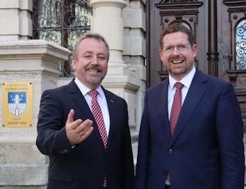 Der Allgäuer Abgeordnete Stephan Stracke konnte den Aussiedlerbeauftragten der Bundesregierung Prof. Bernd Fabritius in Kaufbeuren willkommen heißen.