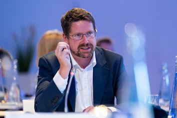 Stephan Stracke fragte bei der Agentur für Arbeit Kempten-Memmingen nach zur aktuellen Situation der Betriebe im Allgäu.