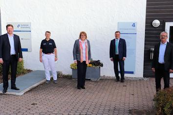 Anfang November tauschte sich Stephan Stracke mit Dr. Bernd Fischer, Veronika Diepolder, Etzel Walle und Hans Achatz aus (von links).