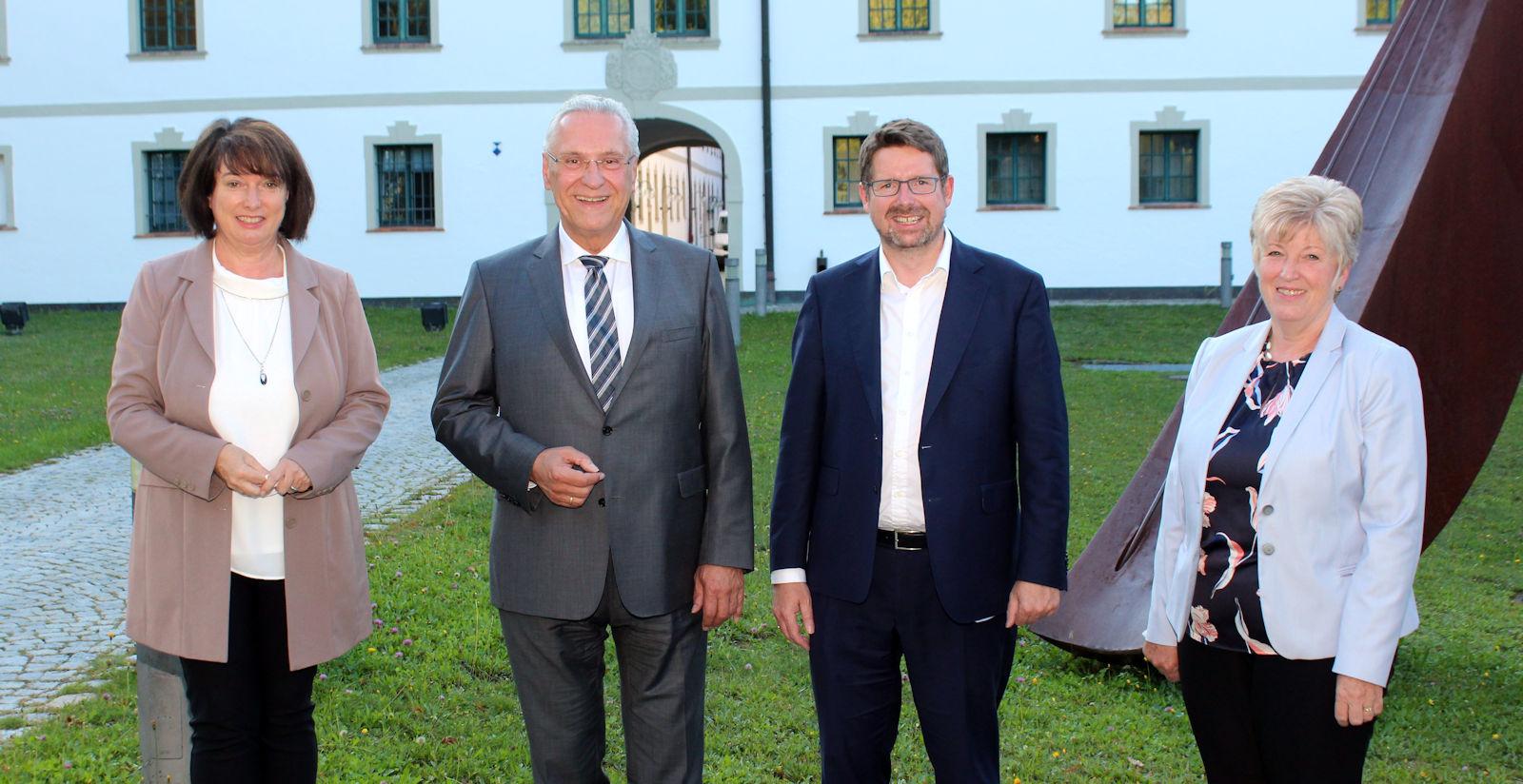Gemeinsam mit Landrätin Maria Rita Zinnecker und der Landtagsabgeordneten Angelika Schorer konnte Stephan Stracke den Bayerischen Innenminister Joachim Herrmann in Marktoberdorf willkommen heißen.